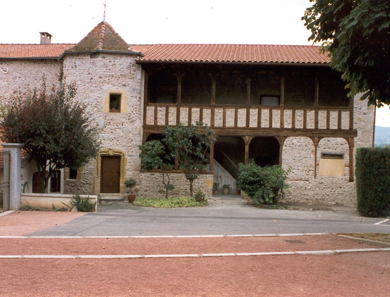 Restauration du prieuré de Pouilly (Loire)