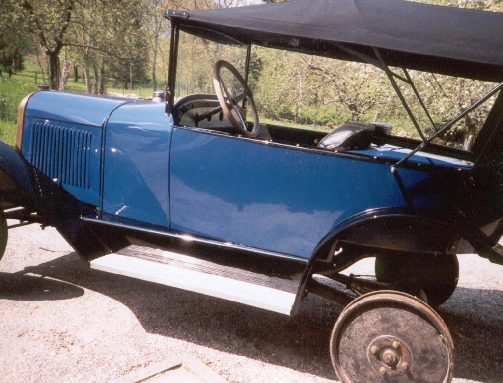 Restauration d'automobiles à coque de bois (Briord, Ain)