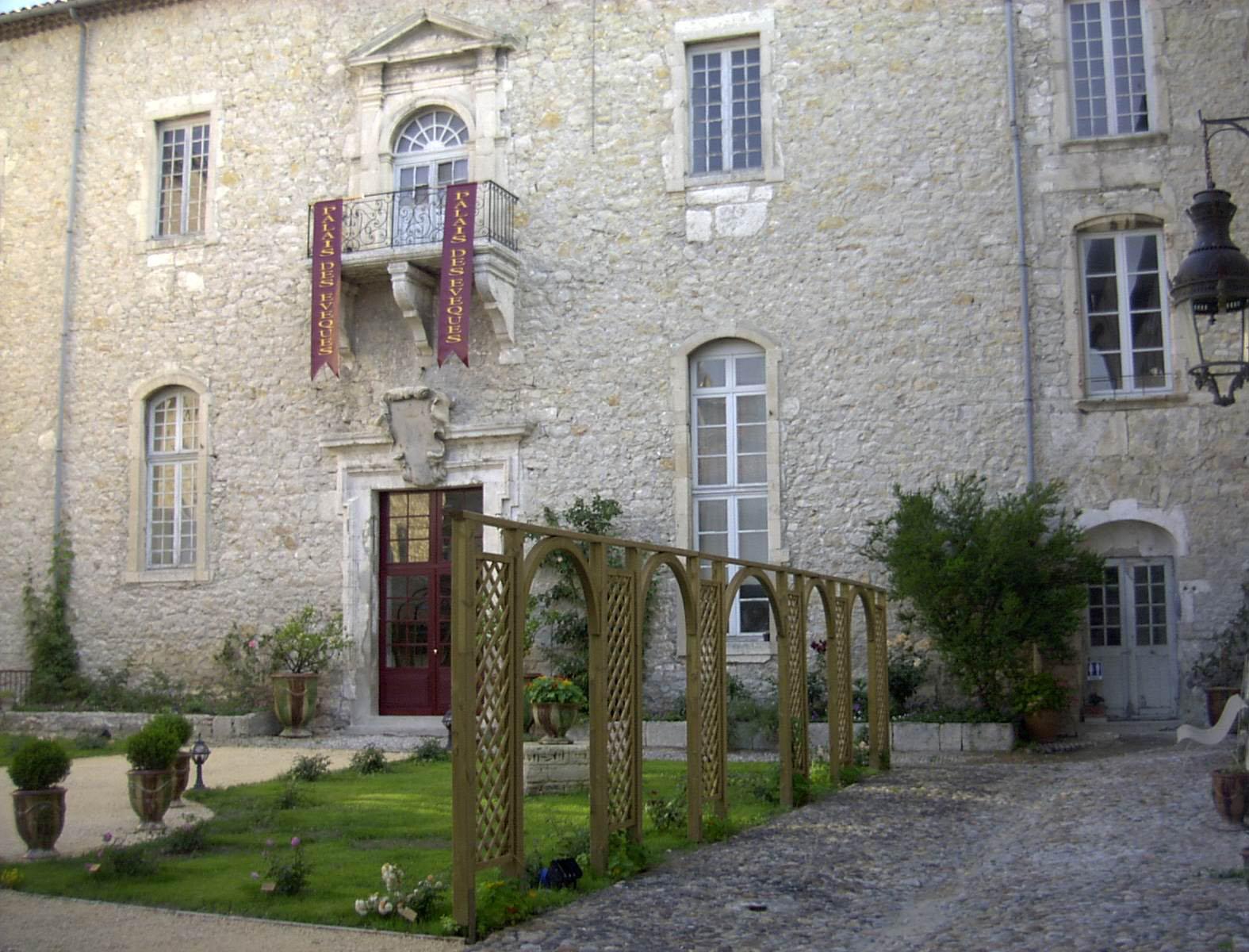 Palais des Evêques (Bourg-Saint-Andéol, Ardèche)