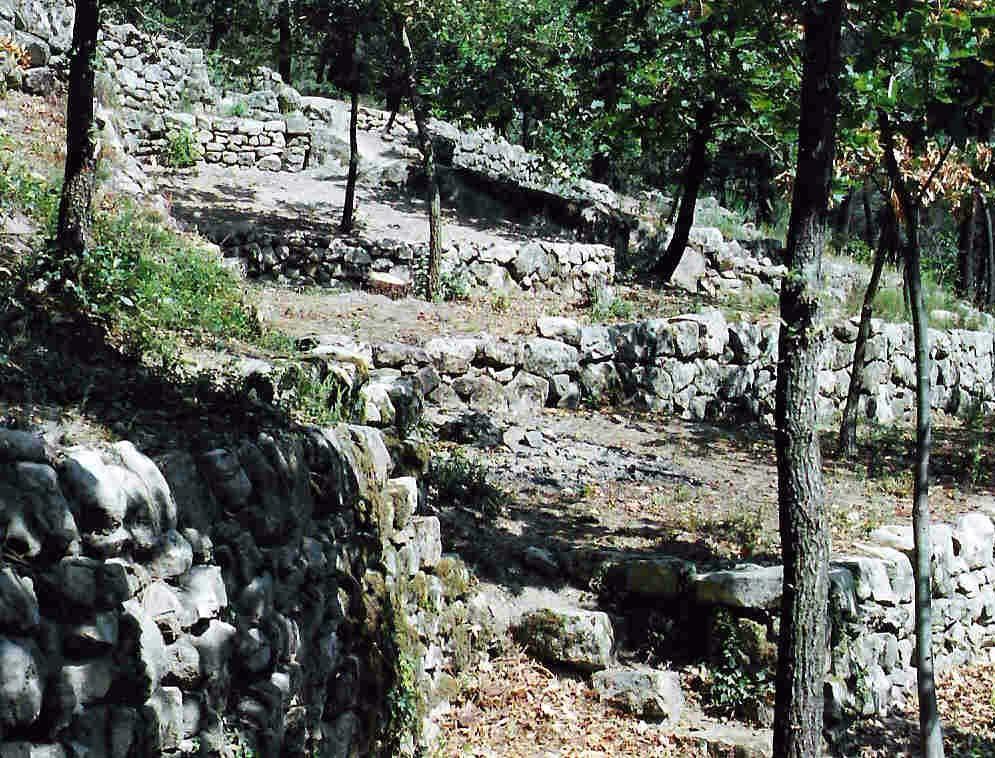 Restauration des faÿsses du vallon des Treillas (Ailhon, Ardèche)