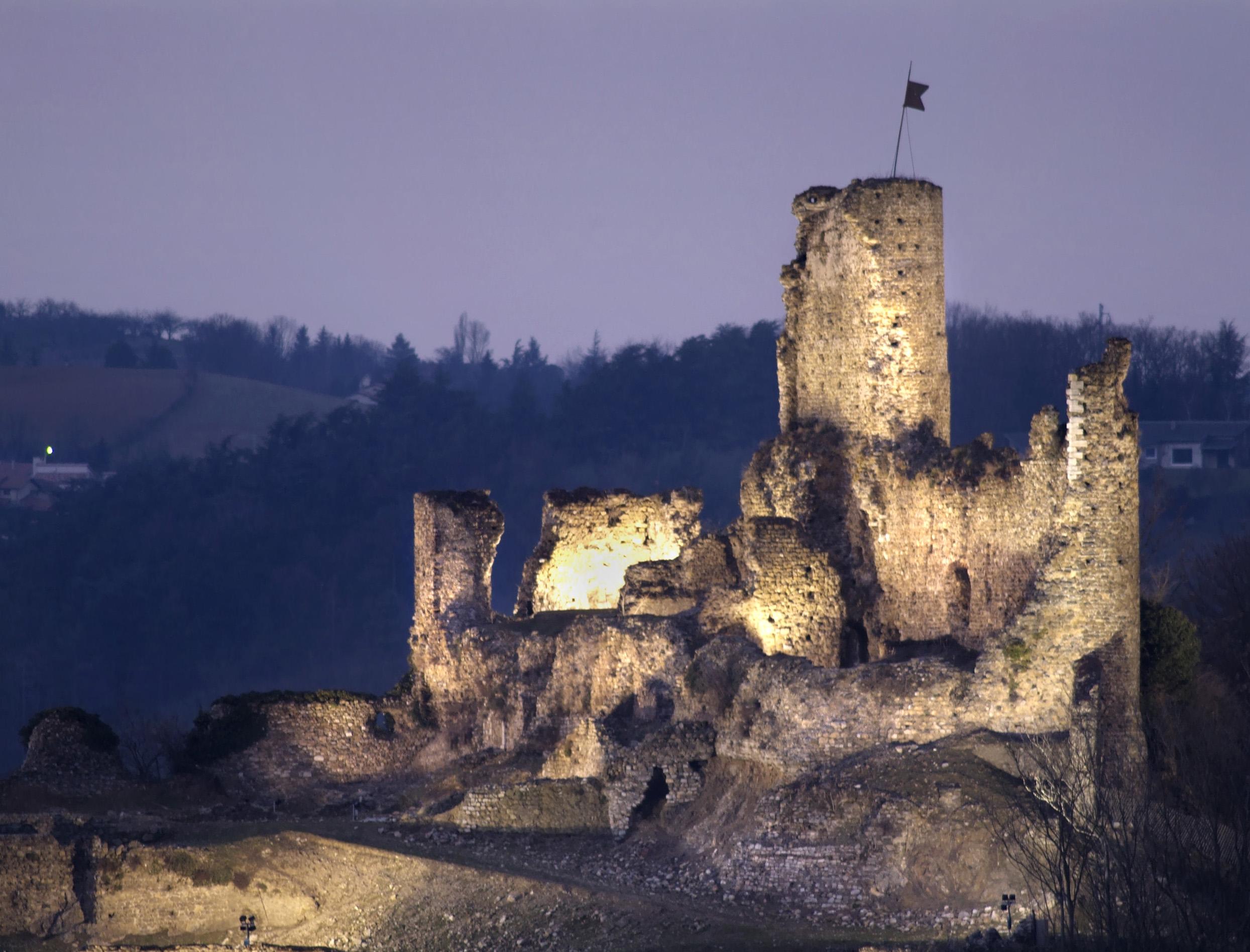 Mise en lumière du château de la Bâtie (Vienne, Isère)
