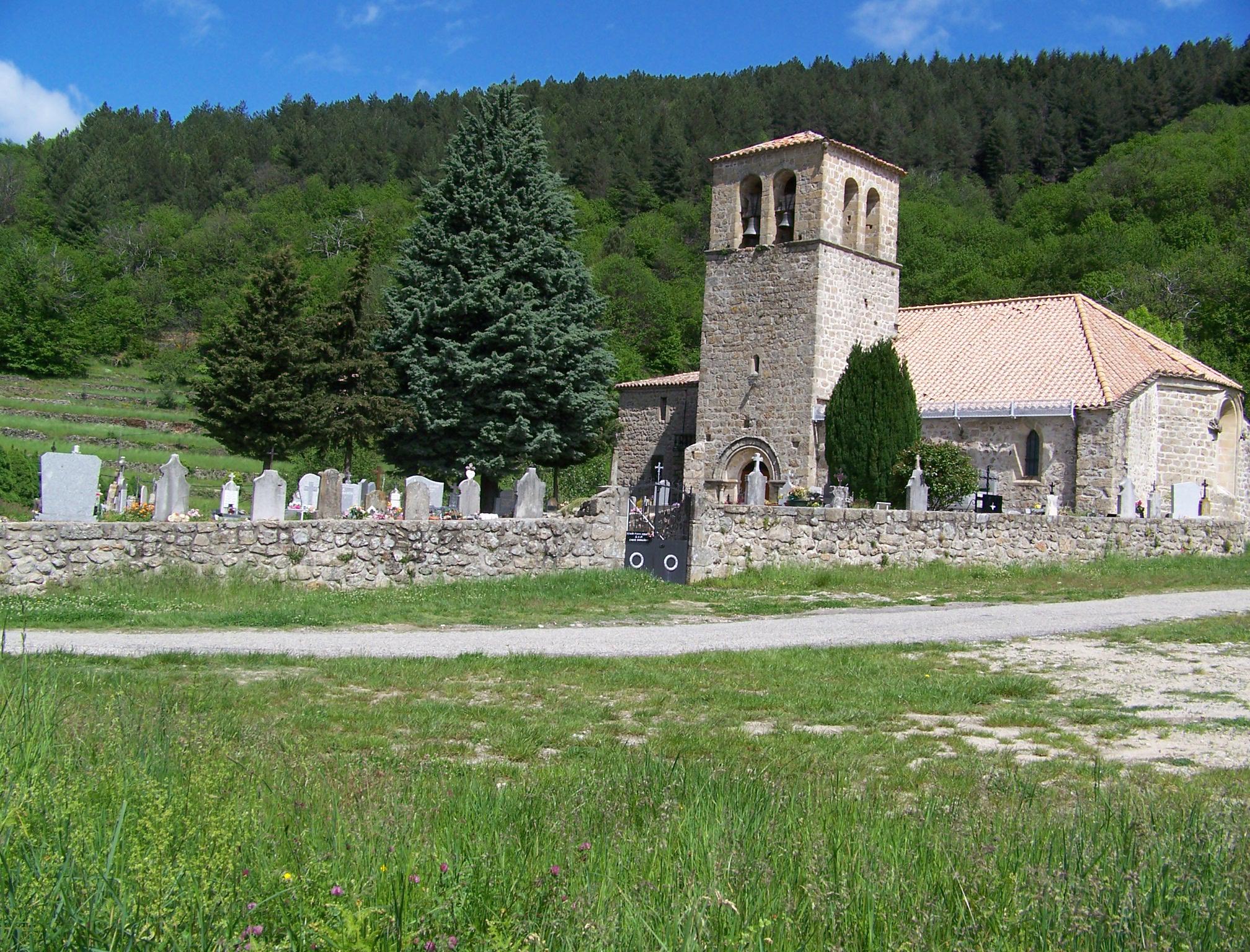 Restauration de la couverture en lauzes de l'église romane (Prunet, Ardèche)