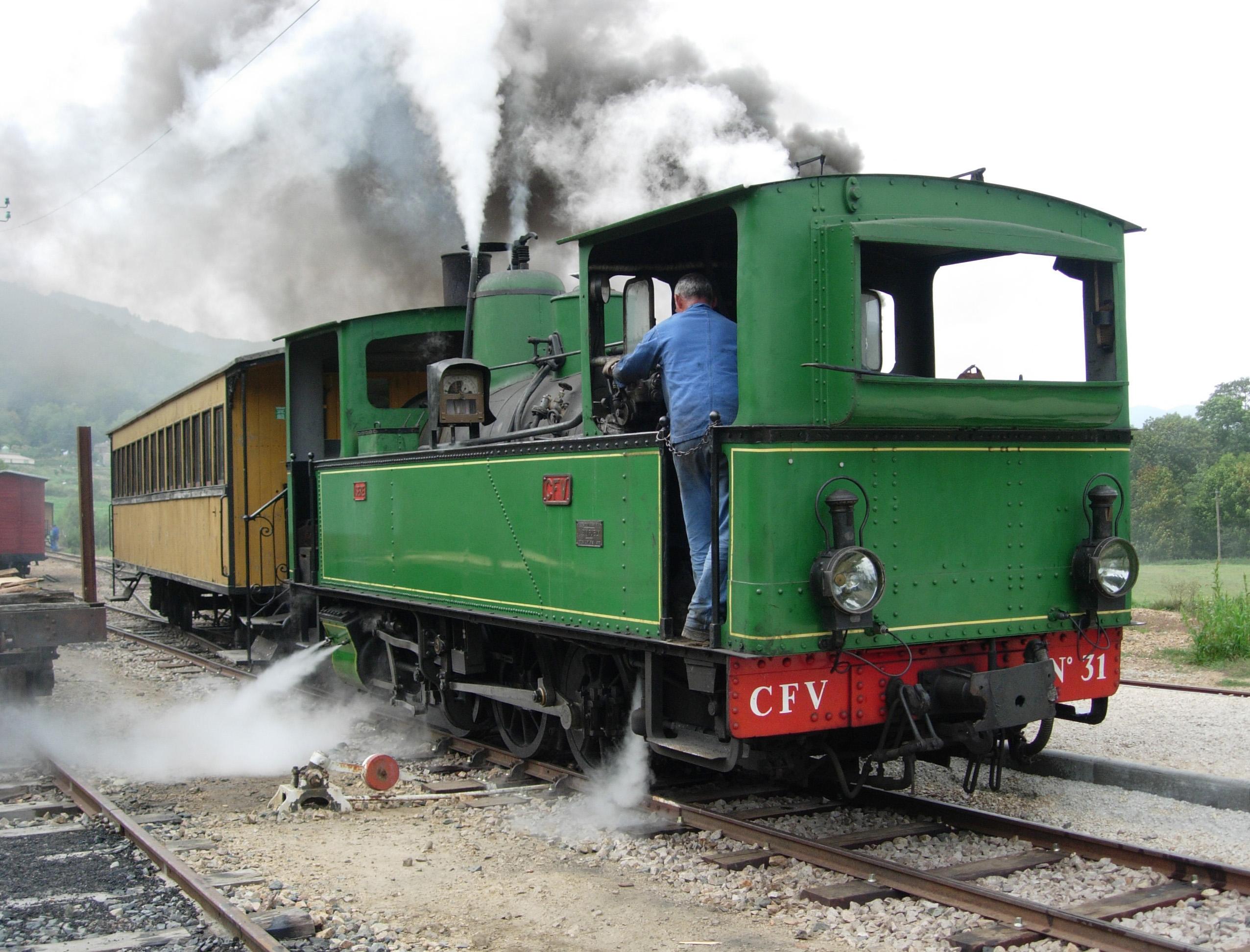 Restauration d'une locomotive Bicabine (Ardèche)