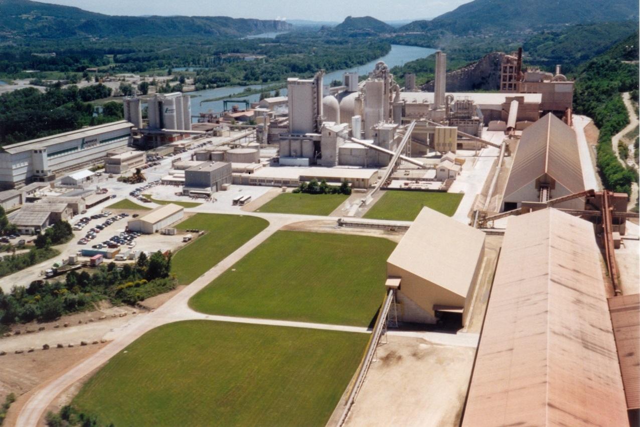 Visite industrielle de l'unité de production de ciments Lafarge du TEIL et de la Cité Blanche, ancienne cité ouvrière