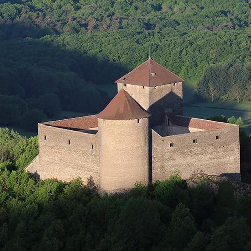 Commune d'Ambérieu-en-Bugey - le Château des Allymes